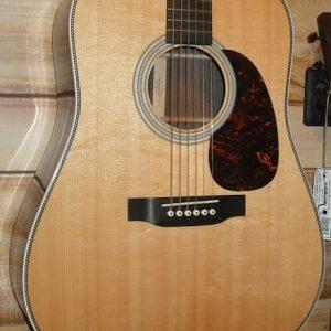 Martin HD-28 Dreadnought Acoustic Guitar w/Case